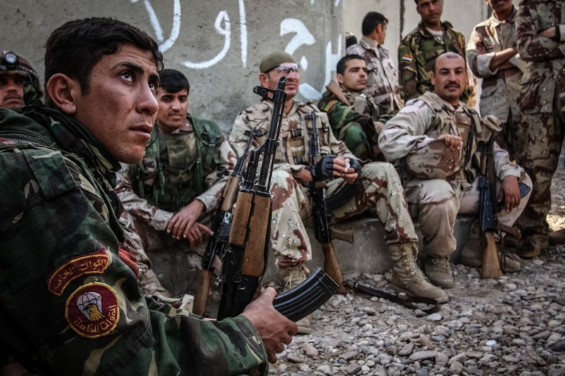 Irakische Soldaten nach einer Patrouille in Bagdad. (c) Simon Klingert