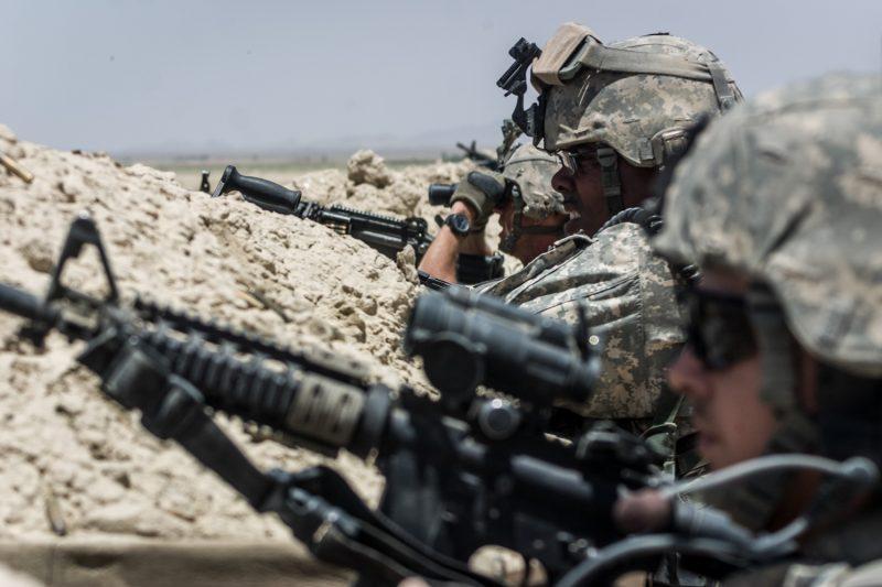 US-Soldaten verteidigen einen Außenposten in der afghanischen Provinz Paktika gegen einen Angriff der Taliban. (c) Simon Klingert