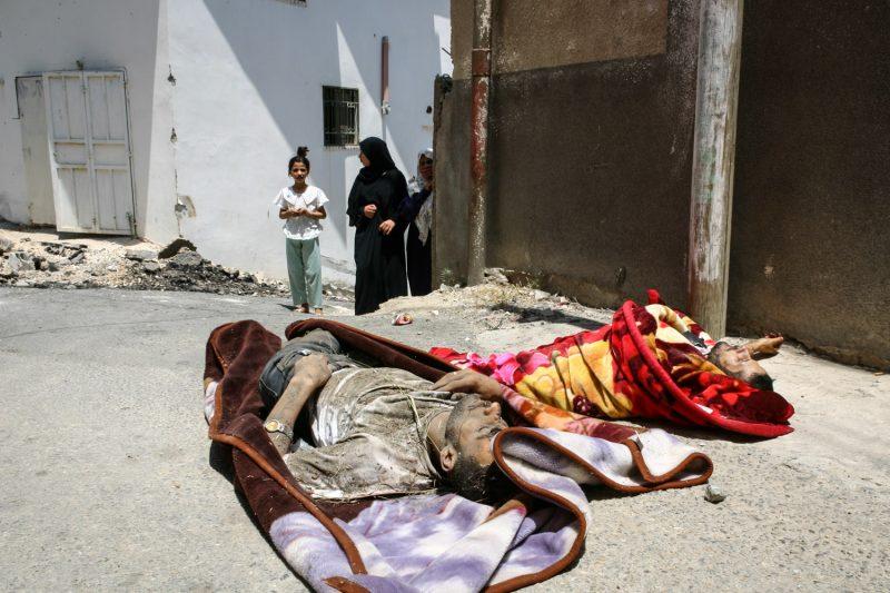 Zwei von der israelischen Armee getötete palästinensische Kämpfer im Dorf Saida in der Westbank. (c) Simon Klingert